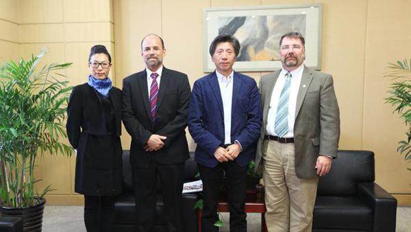 中央美术学院国际hefeiyikao.com领导关怀.jpg