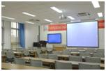 设施先进的普通教室.png