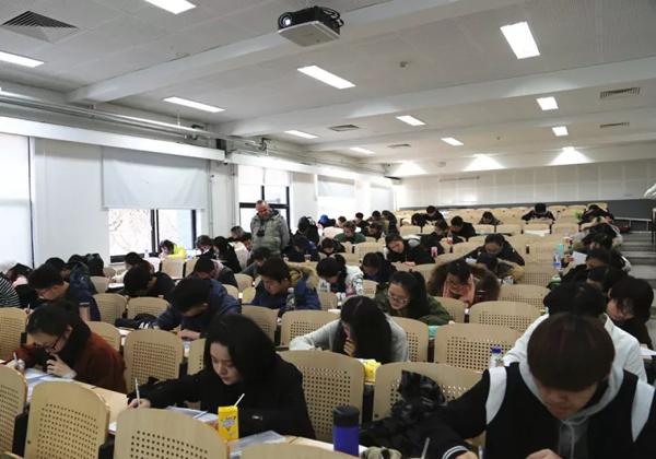 中央美院国际预科同学备考雅思1.png