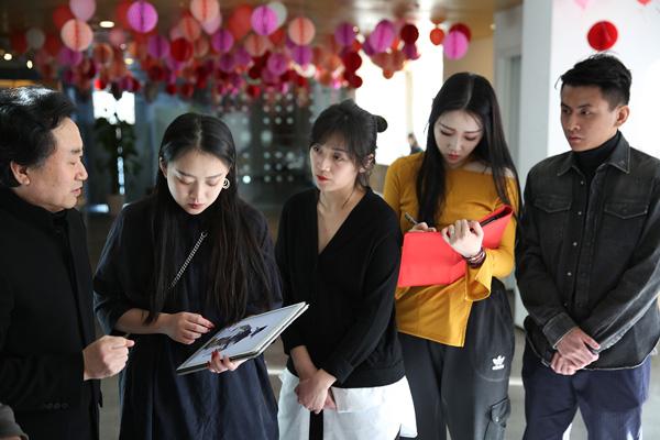 刘元风教授指导北京服装学院国际本科校友非遗元素设计作品.jpg