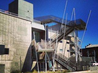 艺术中心设计学院.jpg